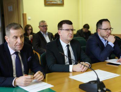Radni podpisali apel w sprawie dokończenia budowy małej obwodnicy Ostrowca Świętokrzyskiego