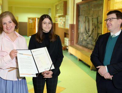 Certyfikaty językowe dla uczniów ostrowieckich szkół wizytówką miasta