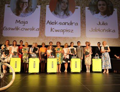 """Poznaliśmy laureatów plebiscytu """"Uczeń Roku 2020/2021"""""""