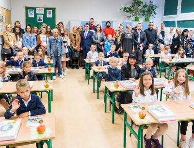Uczniowie wrócili wreszcie do ostrowieckich szkół